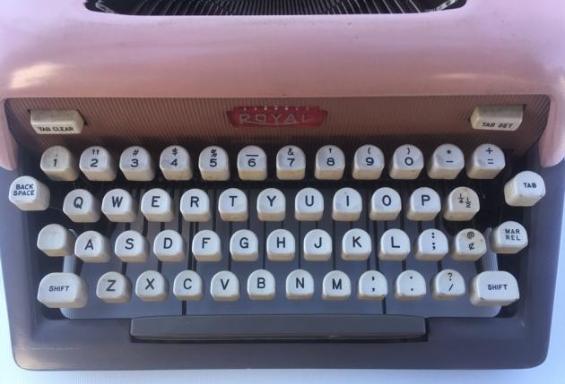 """Royal """"Futura 800"""" keyboard..."""