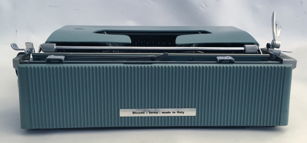 "Olivetti ""Lettera 32"" from the back..."