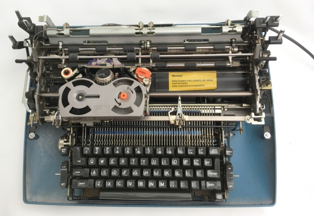 IBM Selectric ll without the cover, fully exposed...