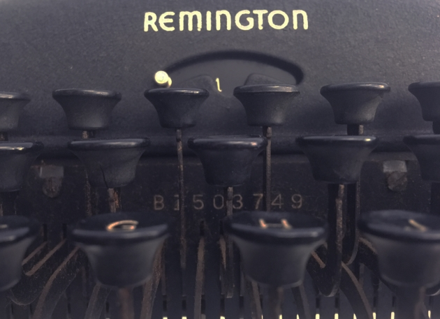 "Remington Rand ""De Luxe Model 5"" serial number location..."