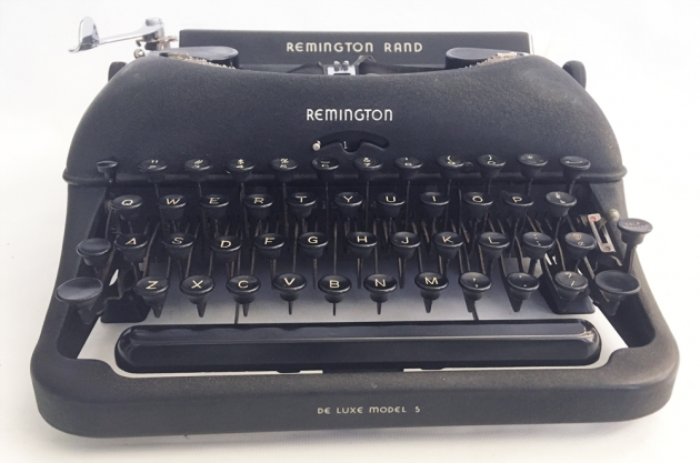 "Remington Rand ""De Luxe Model 5"" from the front..."