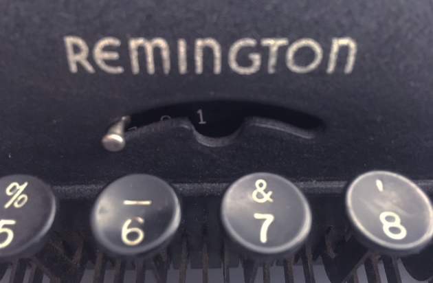 "Remington Rand ""De Luxe Model 5"" front logo..."