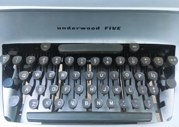 """Underwood """"touch-master 5"""" from the keyboard..."""