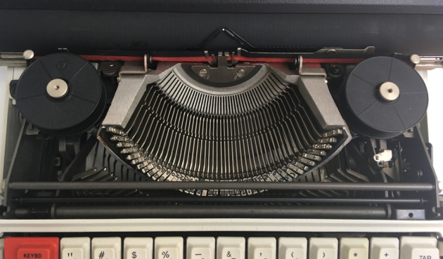 "Olivetti ""36"" from under the hood..."