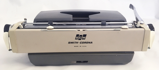 "Smith-Corona ""Galaxie Deluxe"" from the back..."
