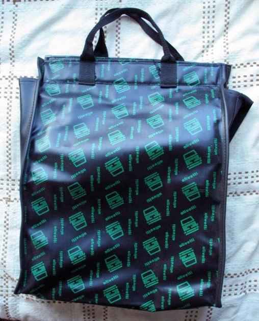 The ever-stylish Olivetti bag. This one is much easier to use than many others.