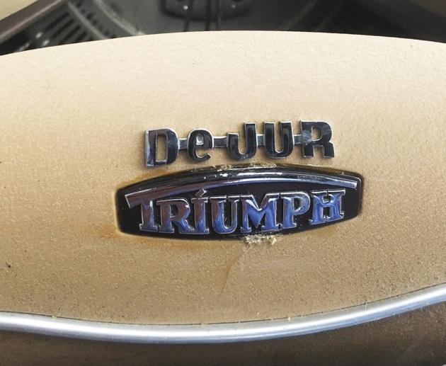 "Triumph ""Kwik-Riter"" logo..."