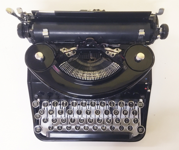 """Underwood """"Noiseless Portable"""" from the top..."""