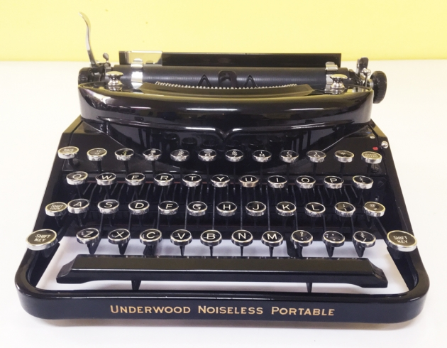 """Underwood """"Noiseless Portable"""" from the front..."""