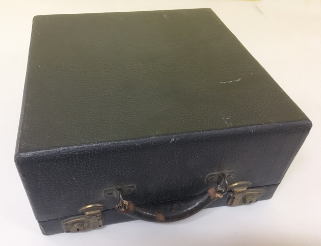 "Underwood ""Noiseless Portable"" travel case..."