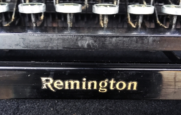 Remington Noiseless Portable from the front logo...