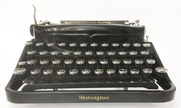 Remington Noiseless Portable from the front...