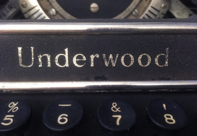 "Underwood ""Universal"" logo on the front ..."