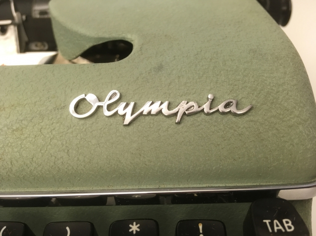"Olympia ""SM4"" logo from the front ..."