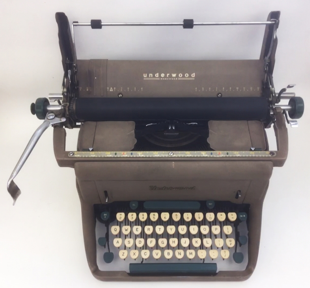 """Underwood """"SX""""  ready to remove the roller ..."""