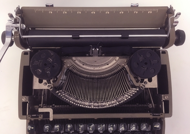 """Remington """"Travel-Riter"""" from under the hood..."""