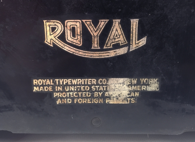 "Royal ""KHM"" from the back (detail logo)..."