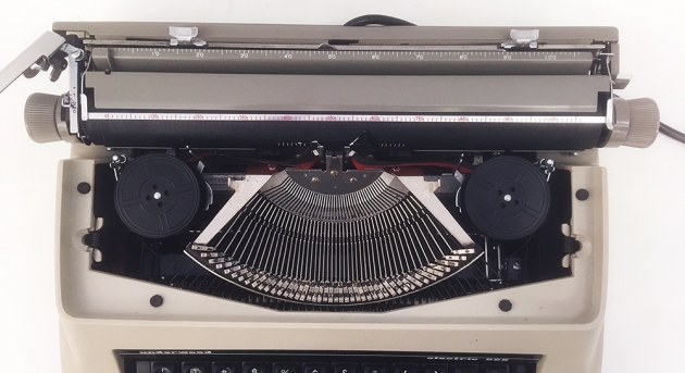 "Underwood ""Electric 555"" from under the hood..."