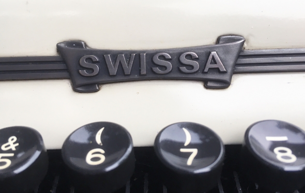 "Swissa ""Junior"" Logo/badge on the front..."