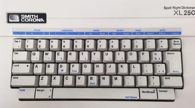 "Smith Corona ""XL 2500"" from the keyboard,,,"