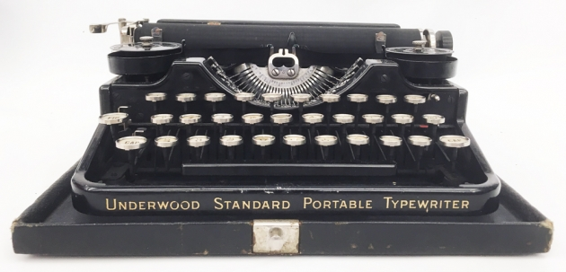 "Underwood ""Portable 3 Bank"" from the front..."