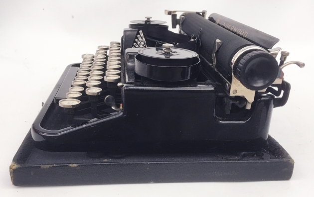 "Underwood ""Portable 3 Bank"" from the right side..."