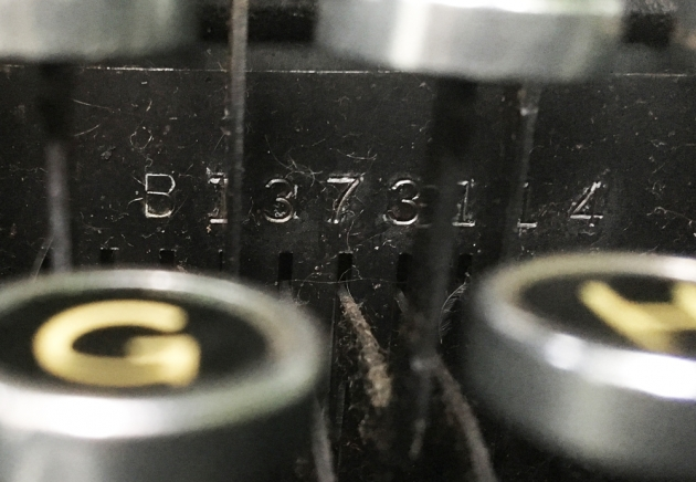 """Remington Rand """"Deluxe 5"""" serial number location..."""
