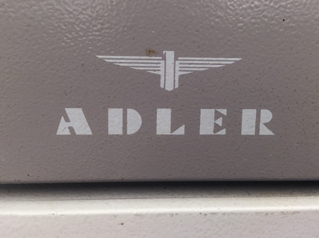 "Adler ""Universal 200"" from the back (detail/logo)..."
