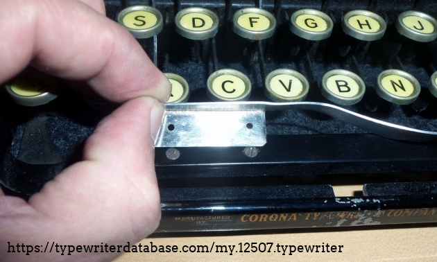 The word counter actuation lever is literally bolted to the underside of the space bar. That's what makes it a word counter rather than a stroke counter.