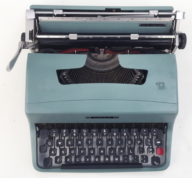 """Olivetti """"Lettera 32"""" from the top ..."""