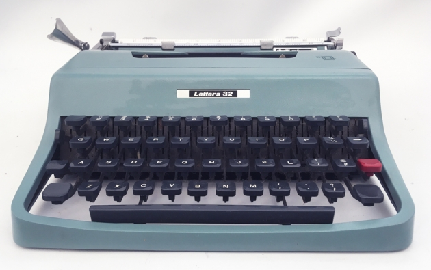 """Olivetti """"Lettera 32""""  from the front ..."""