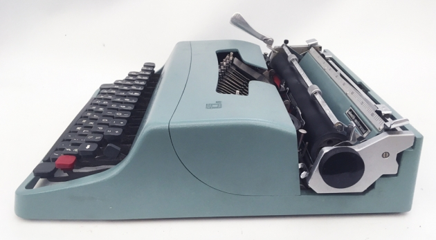 """Olivetti """"Lettera 32""""  from the right side..."""
