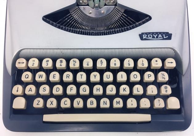 "Royal ""Eldorado Deluxe"" from the keyboard..."
