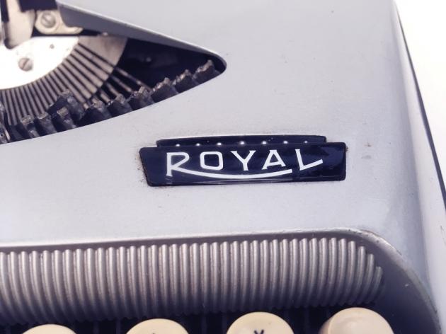"""Royal """"Eldorado Deluxe"""" logo on the right side..."""