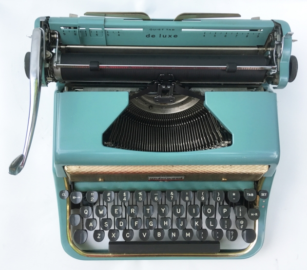 """Underwood """"De Luxe"""" (Golden Touch) from the top,,,"""