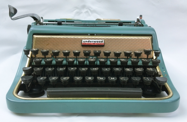 """Underwood """"De Luxe"""" (Golden Touch) from the front,,,"""