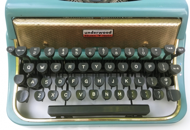 """Underwood """"De Luxe"""" (Golden Touch) from the keyboard,,,"""