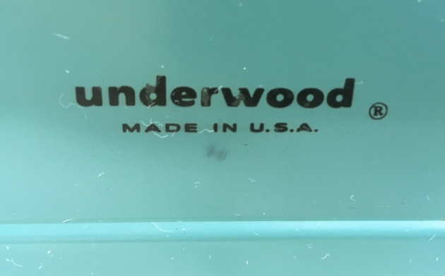 """Underwood """"De Luxe"""" (Golden Touch) from the back (detail)"""