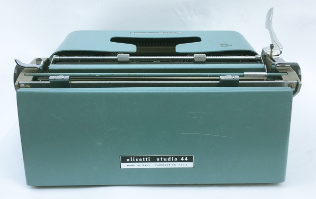 "Olivetti-Underwood ""Studio 44""  from the back..."