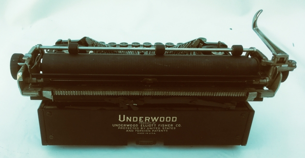 """Underwood """"Universal"""" from the back..."""