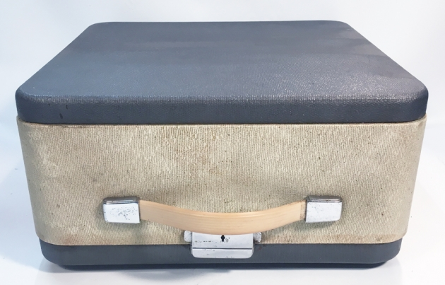 """Olympia """"SM9"""" travel case, in desperate need of a bath ..."""