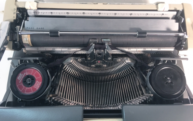 """Smith Corona """"Galaxie Deluxe"""" from under the hood..."""