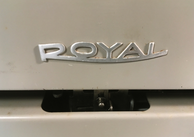 """Royal """"890"""" from the back (logo detail)..."""