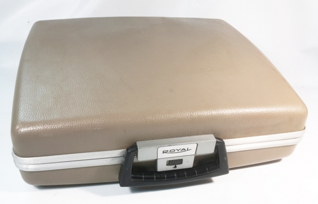 """Royal """"890"""" cover/travel case..."""
