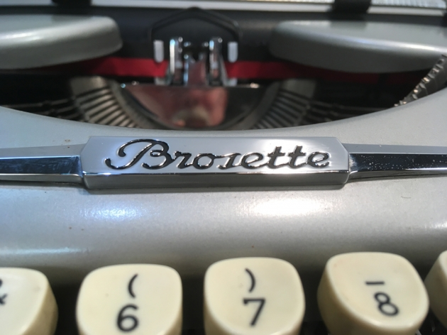 """Brosette """"Portable"""" from the logo up front..."""