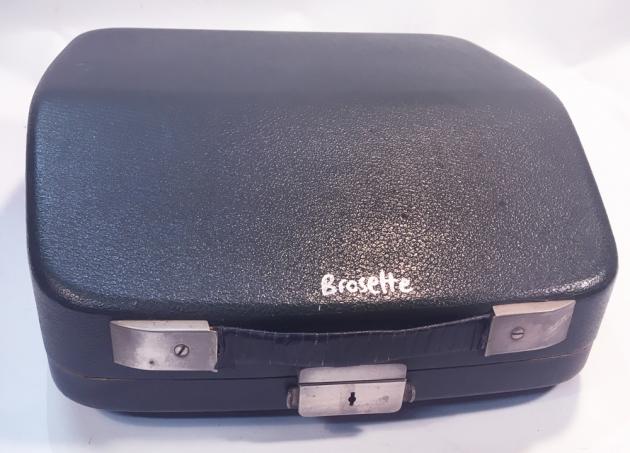 """Brosette """"Portable"""" travel case..."""