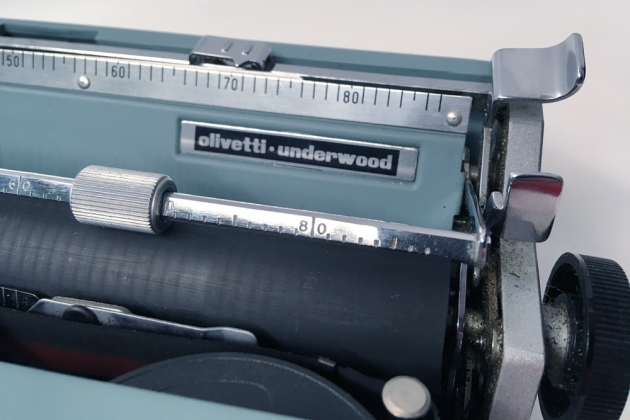 """Olivetti """"Lettera 32"""" from the right side (logo detail)..."""