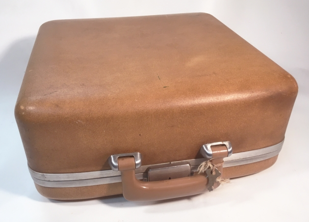 "Smith Corona ""Sterling"" = "" Holiday"" travel case..."