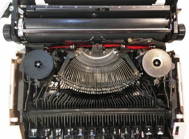 "Rover ""5000 Super de Luxe"" from under the hood..."