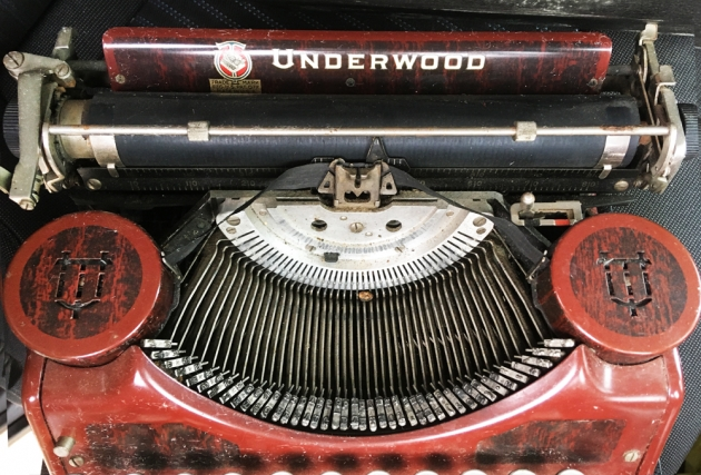 "Underwood ""Portable 4 Bank"" from under the hood..."